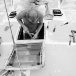 Die Vorschiffluke ist auch undicht und wird gleich mal komplett entfernt