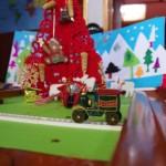Weihnachtliche Details im Schiffsinneren